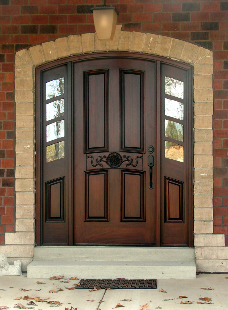 Arched entry doors with sidelights are the best way to make your house look