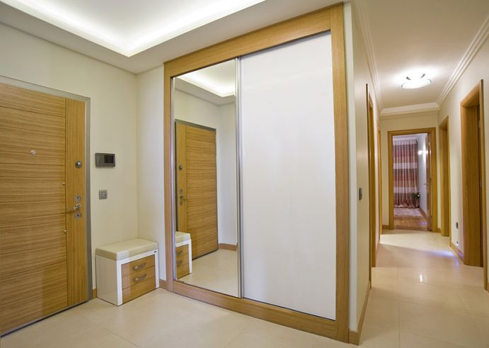 Custom size internal bifold doors have stylish design and various color solutions