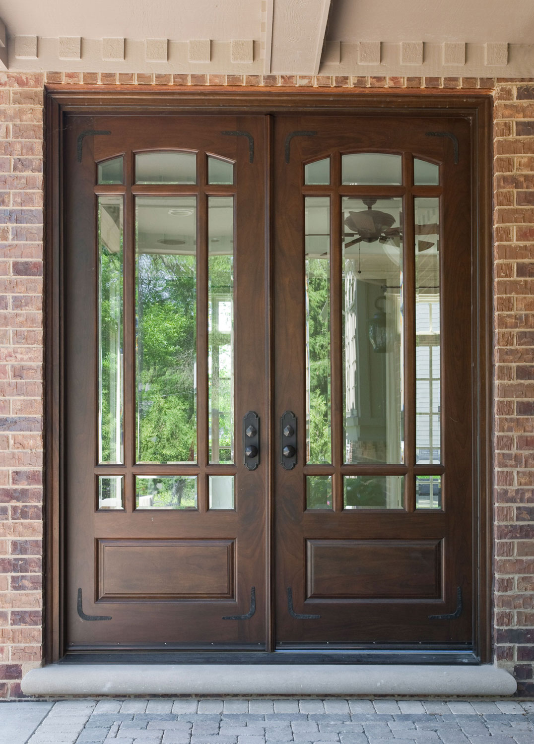 Double doors made of fiberglass are ideal for a front entry