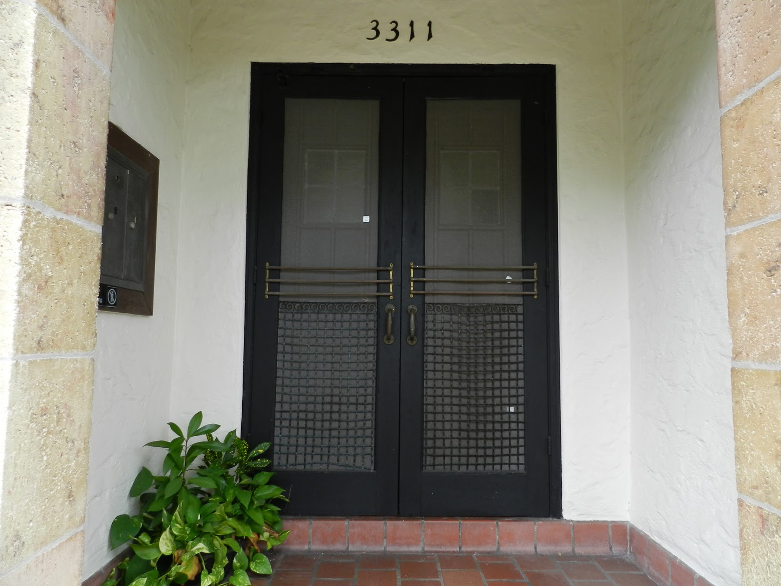 Double front entry doors can be arched to look more elegant