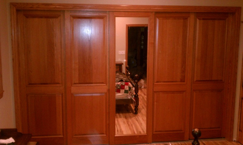 Flat panel interior wood doors can be chosen in home improvement stores