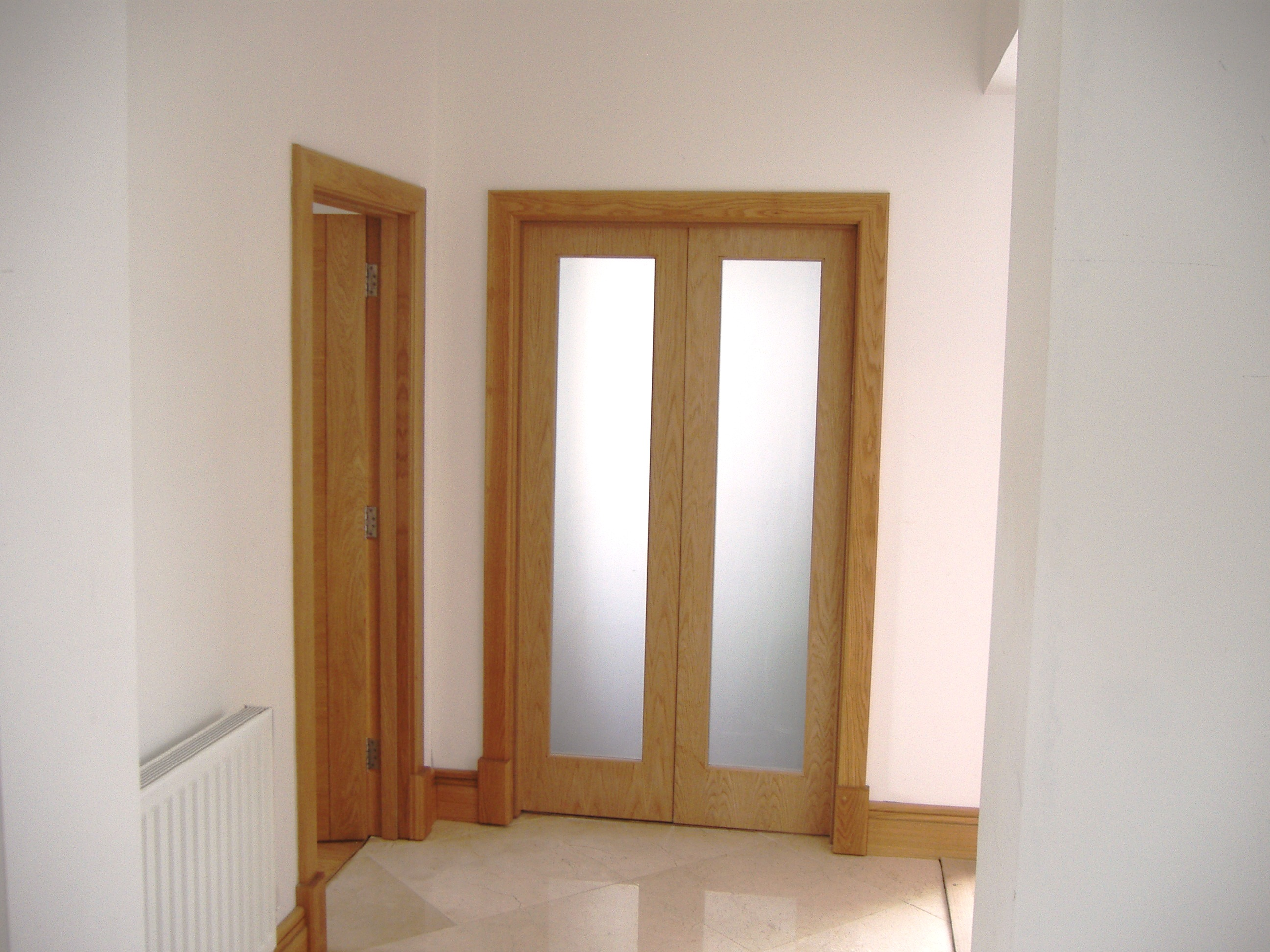 Advantages Of A Frosted Glass Interior Door