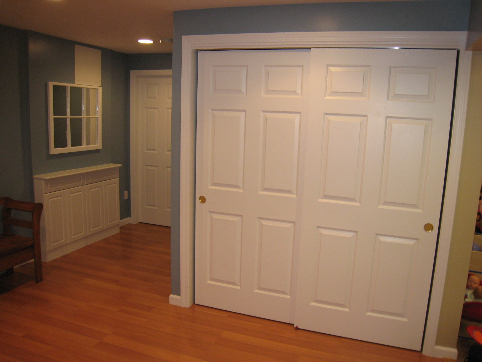 Hanging sliding wooden door is a good choice for closet