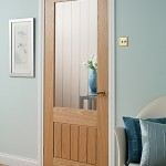 : Internal oak doors with glass are esthetic