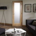: Oak interior doors with glass panels are widely used