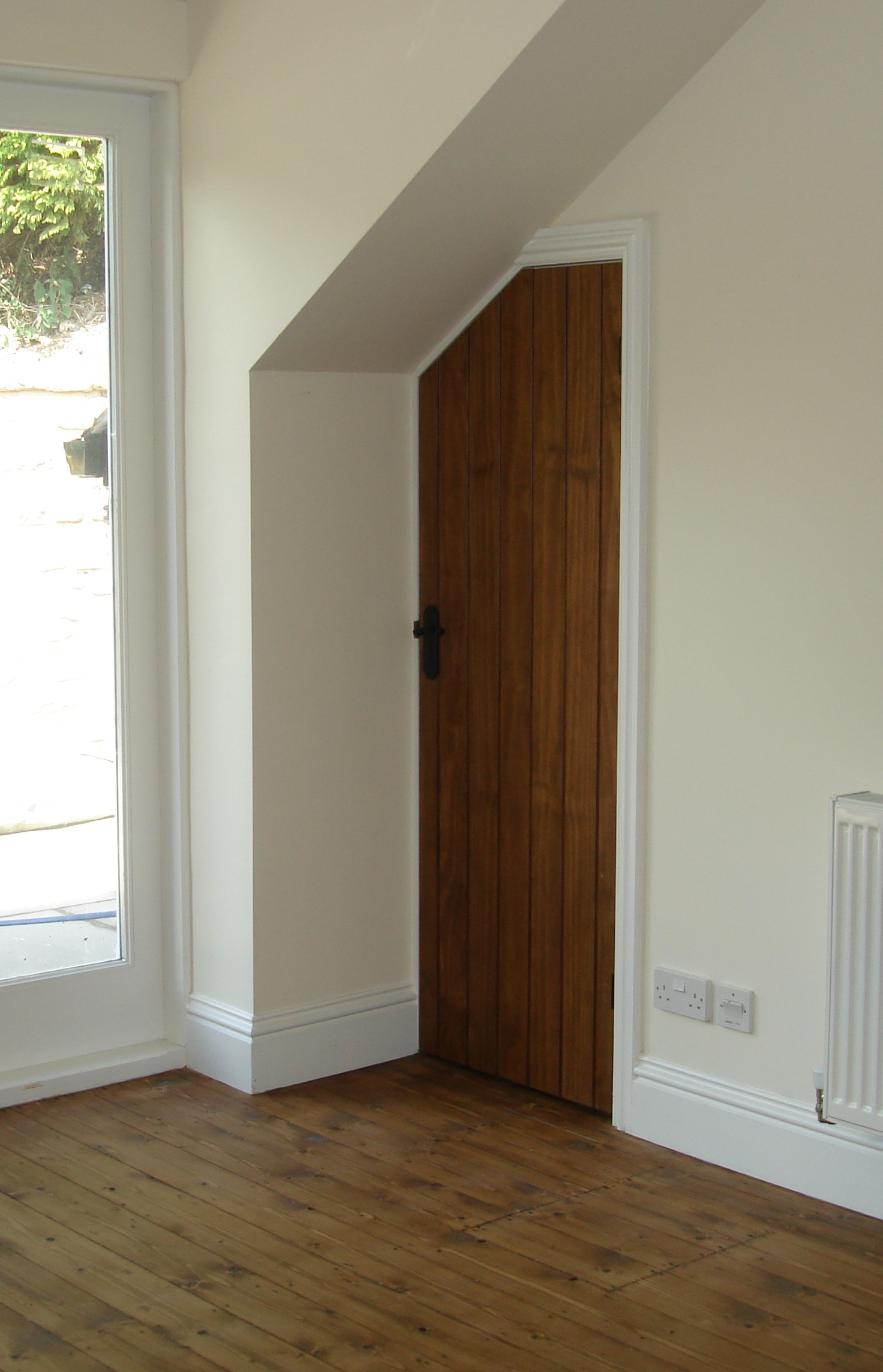 Replacement of internal doors with frames is a difficult task