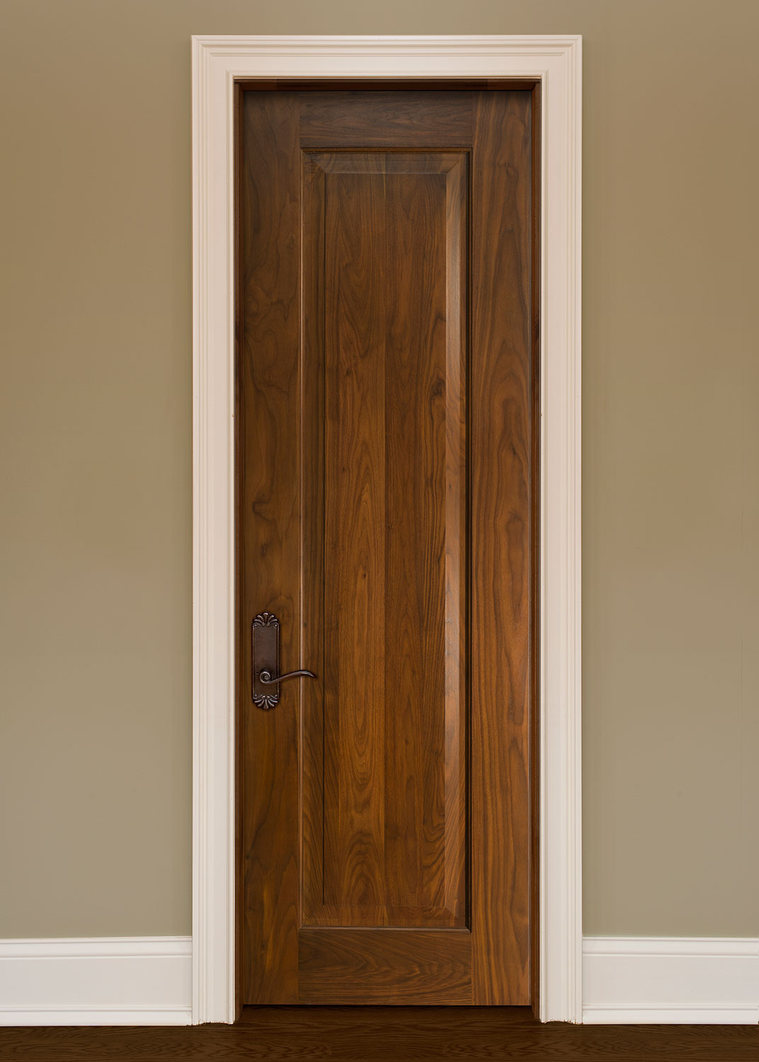 Solid wood rustic interior doors look simple yet stylish