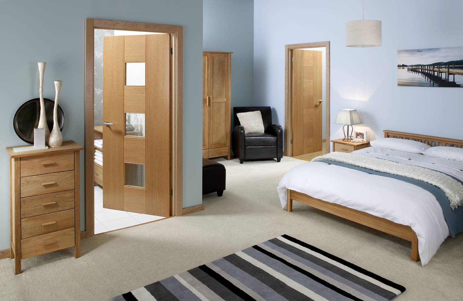 Soundproof interior bifold door is a good choice near the highway