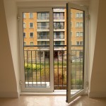 : Soundproof interior double doors can be fully opened for ventilation