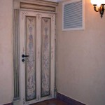 : Vintage interior doors of glass are most suitable for modern interiors