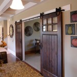 : Vintage internal glass doors may fit minimalistic, art deco or high tech rooms perfectly well