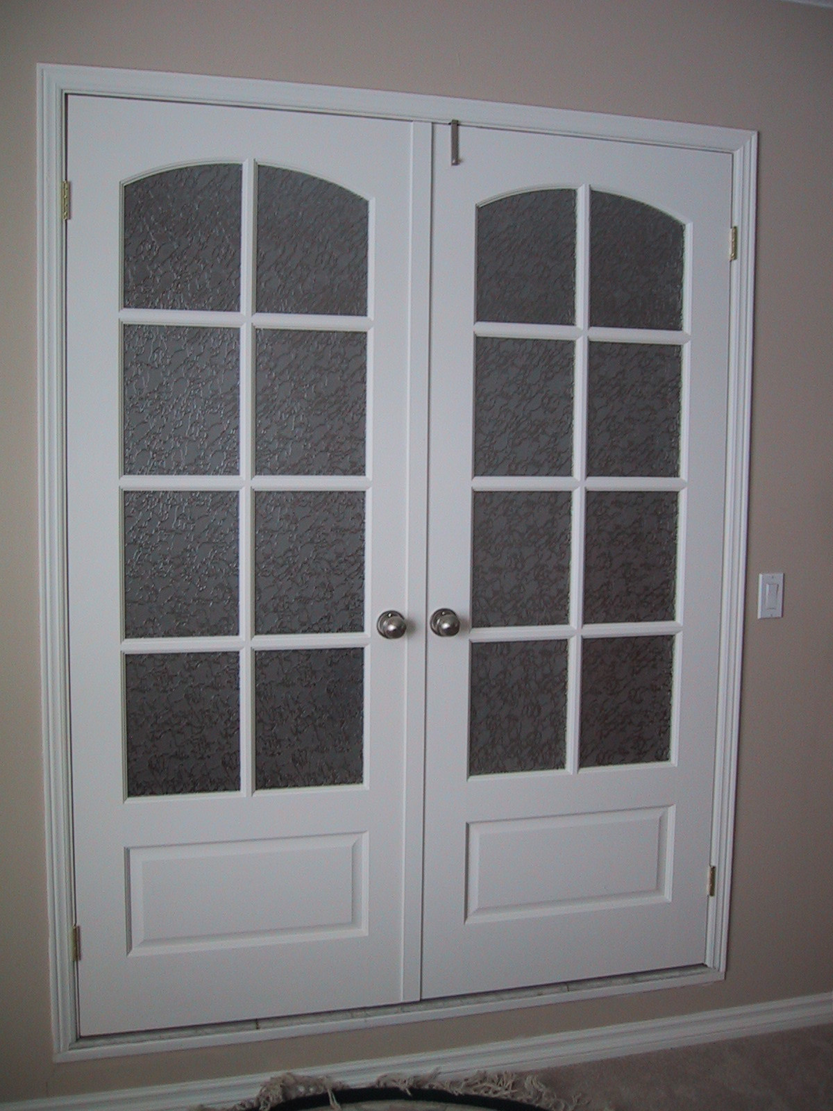 24 inch glass panel interior door is a slim stylish door for your living room