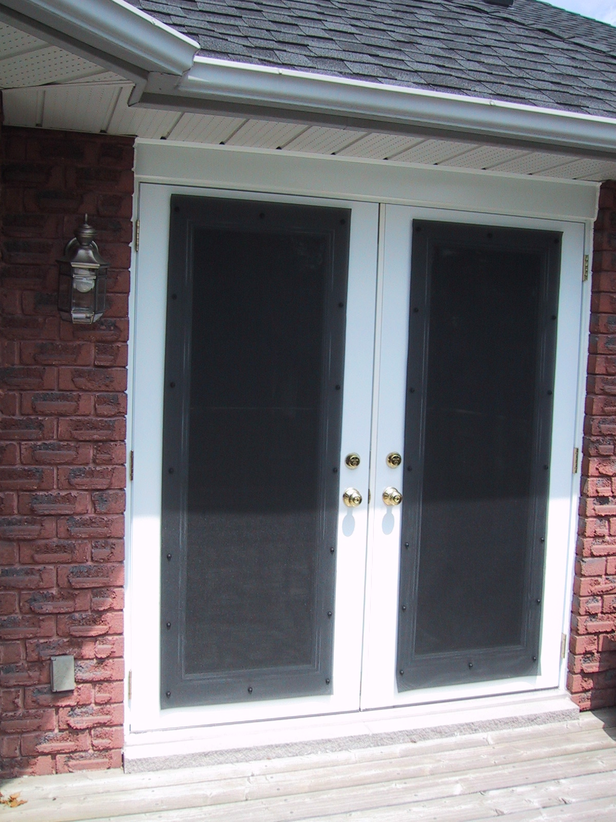 Retractable interior screen door is the additional protection from bad weather
